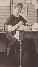 Effie at University of Idaho, 1912-1913