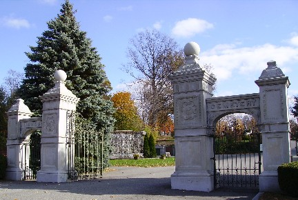 Image:Linwood_Cemetery_Front_Gate.jpg