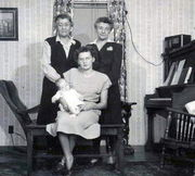 Four Generations - Elise, Betty and Linda, Frieda